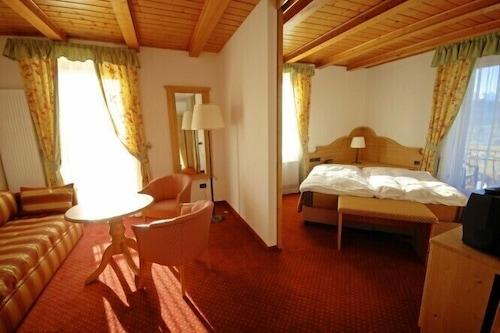 Prenota Stella Delle Alpi A Ronzone Hotels Com