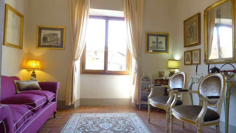 雷萊斯卡瓦爾康蒂旅館, Florence