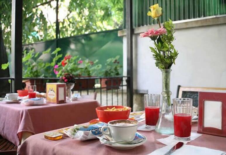 Hotel Piola, Milan, Tempat Makan Luar Ruangan