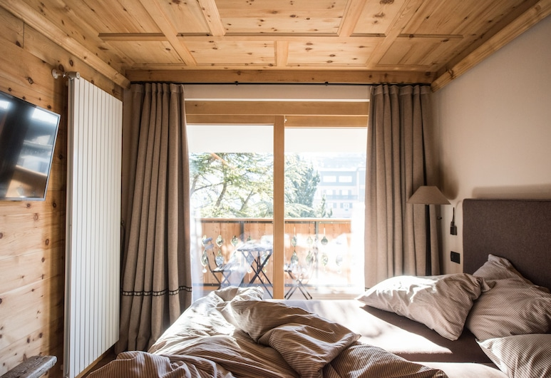 Genzianella, Bormio, Suite tradicional, Varias camas, balcón, Habitación