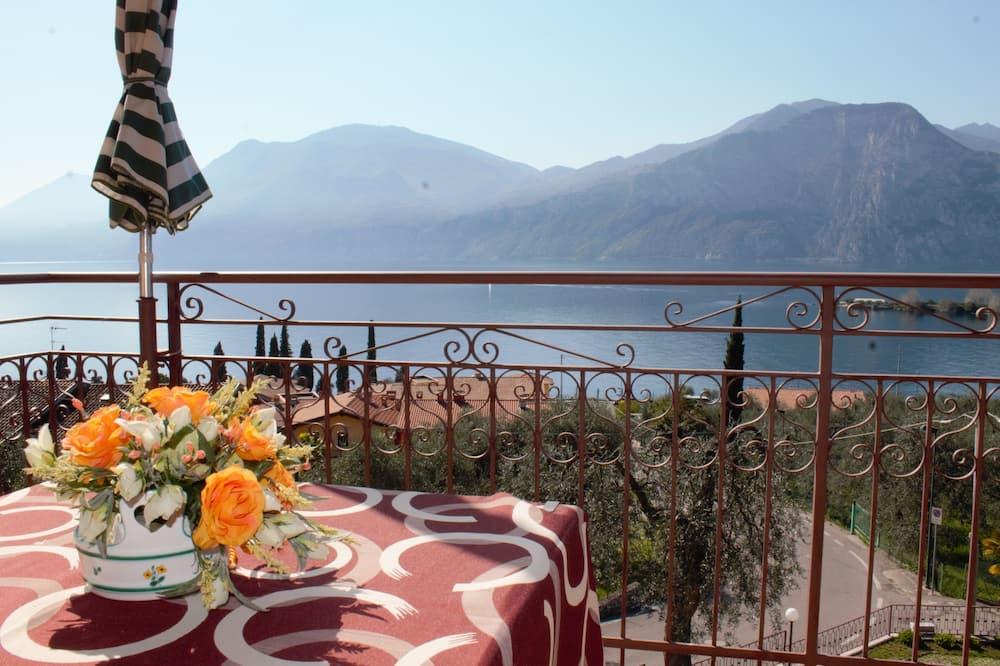 Dvivietis kambarys, balkonas, vaizdas į ežerą - Svečių kambarys