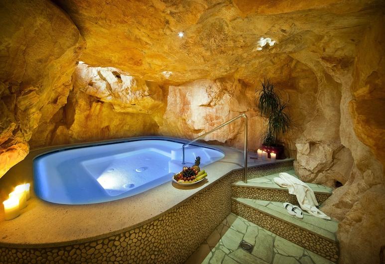 パークホテル ルーナ モンドシェン ボゼン, ボルツァーノ, 屋内スパ浴槽