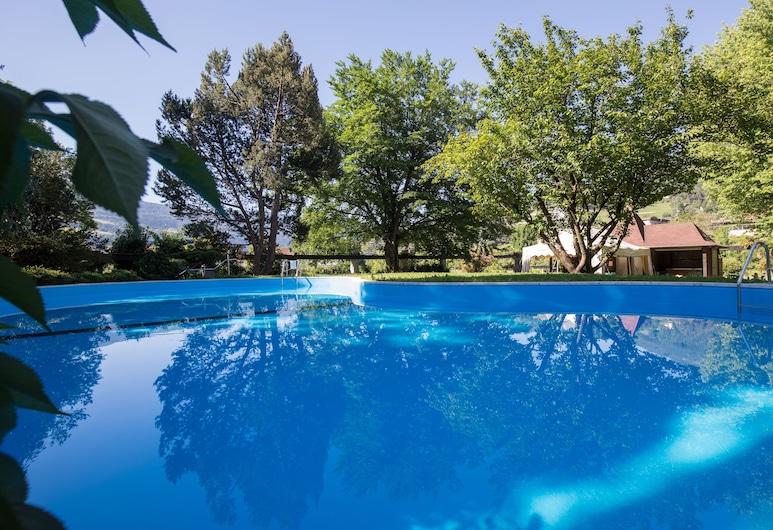 艾麗芬特飯店, 布列瑟農, 室外游泳池