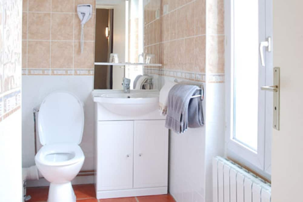 Two adjacent double rooms - Bathroom