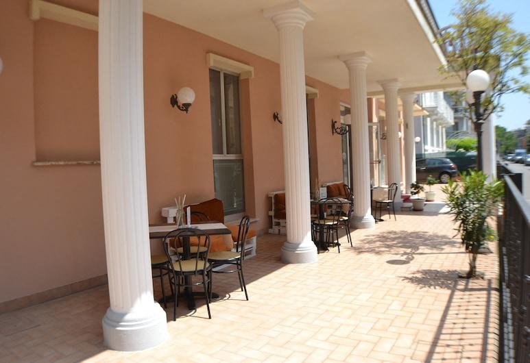 Hotel Villa Caterina, Rimini, Teres/Laman Dalam