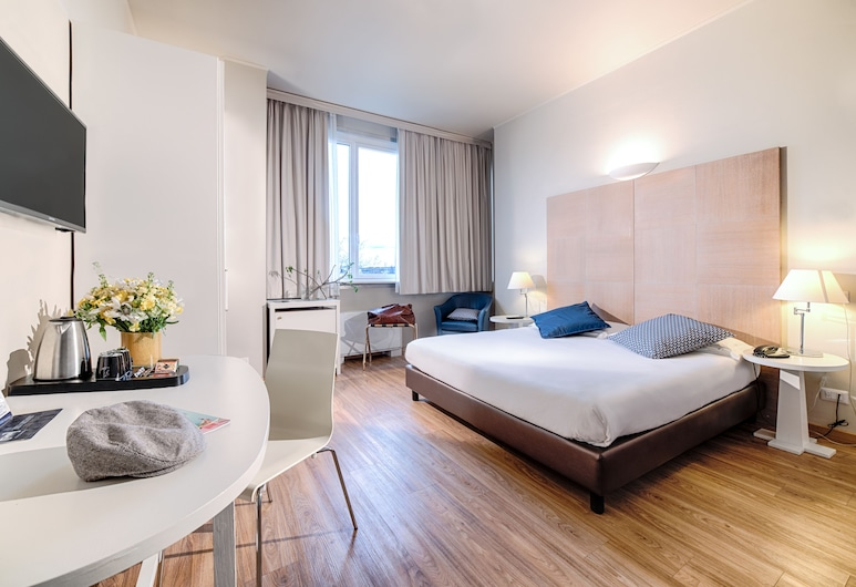 Hotel Oro Blu, Milan, Superior Double Room, Guest Room