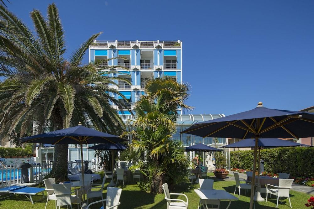 Hotel Excelsior, Massa