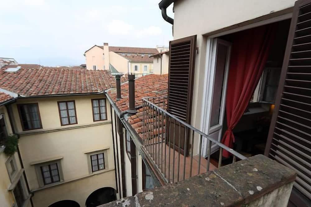 Kamar Triple, kamar mandi umum (with ensuite shower) - Pemandangan Balkon