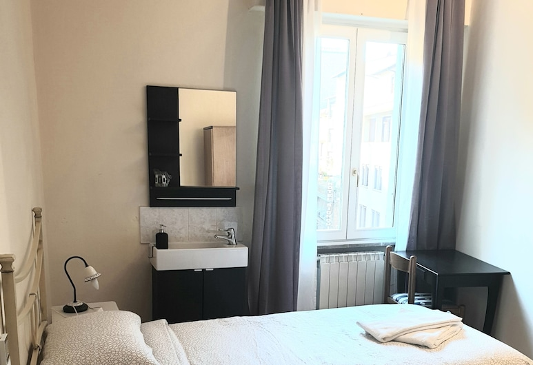 Hotel Por Santa Maria, Florence, Single Room, Shared Bathroom, Guest Room