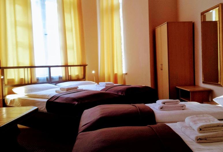 โรงแรมเดเอลา, เบอร์ลิน, ห้องพักสำหรับสี่ท่าน, ห้องน้ำรวม, ห้องพัก