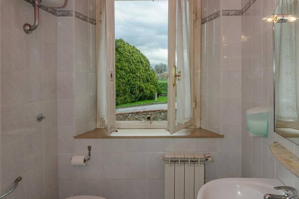 Одномісний номер, спільна ванна - Ванна кімната