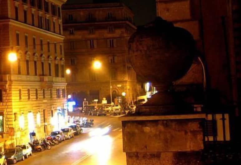 Tourist House, Rome, Exterior