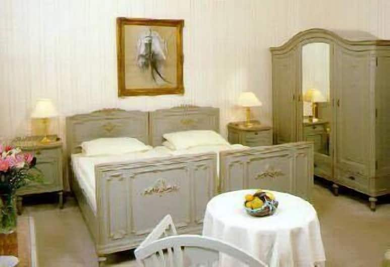 Pension Residenz, Vienna, Superior Double Room, Guest Room
