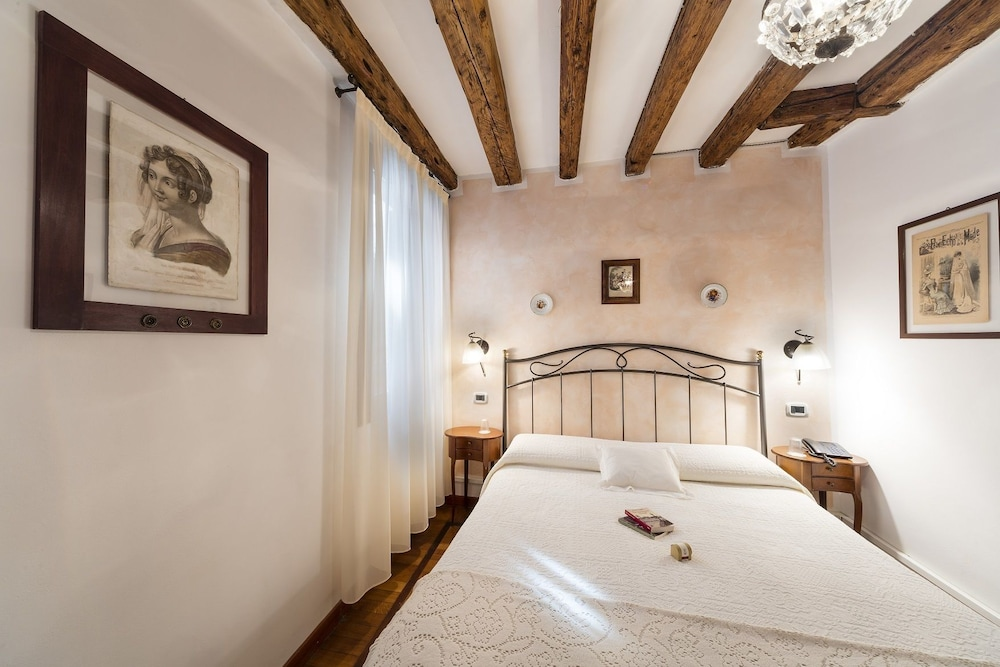 Locanda art deco venice standard room no lift guest room