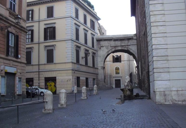 卡羅阿爾貝托樓酒店, 羅馬, 酒店正面