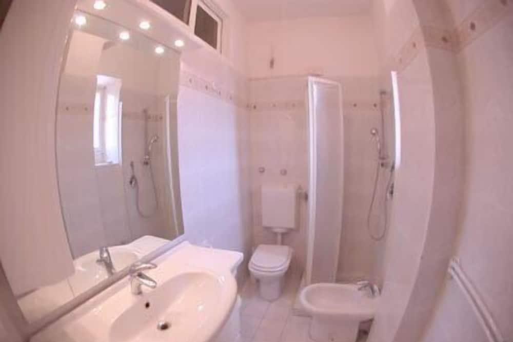 Dobbeltværelse - privat badeværelse - Badeværelse
