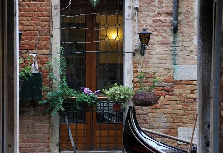 Locanda ai Bareteri, Veneza, Entrada do Hotel