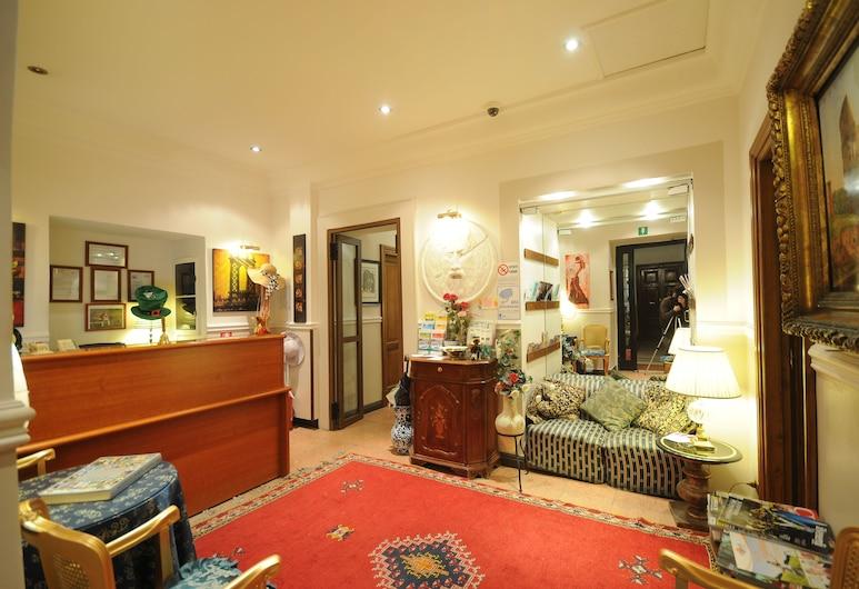 Hotel Sweet Home, Rome, Lobby