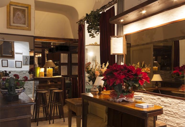 Hotel Guelfa, Florence, Lobby