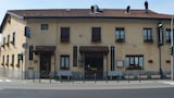 Reserve this hotel in Casorate Sempione, Italy