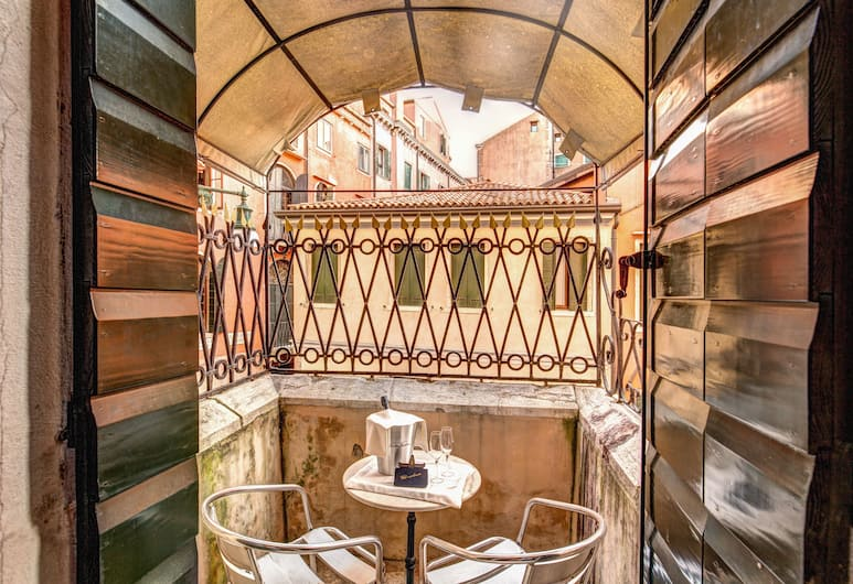Residenza Ca' San Marco, Venice, Junior Suite with Balcony and Canal View, Balcony