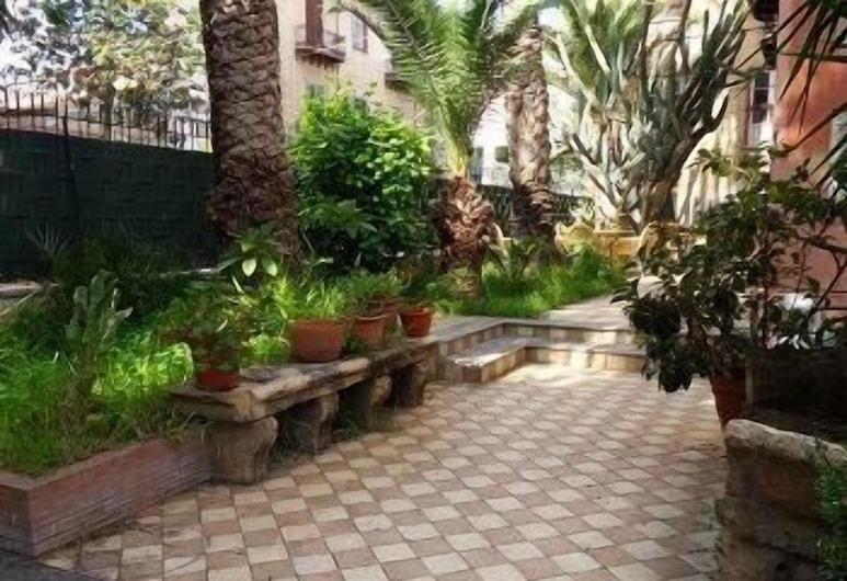 Hotel Villa Archirafi, Palermo, Parco della struttura