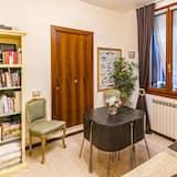 Doppel- oder Zweibettzimmer, eigenes Bad - Wohnbereich