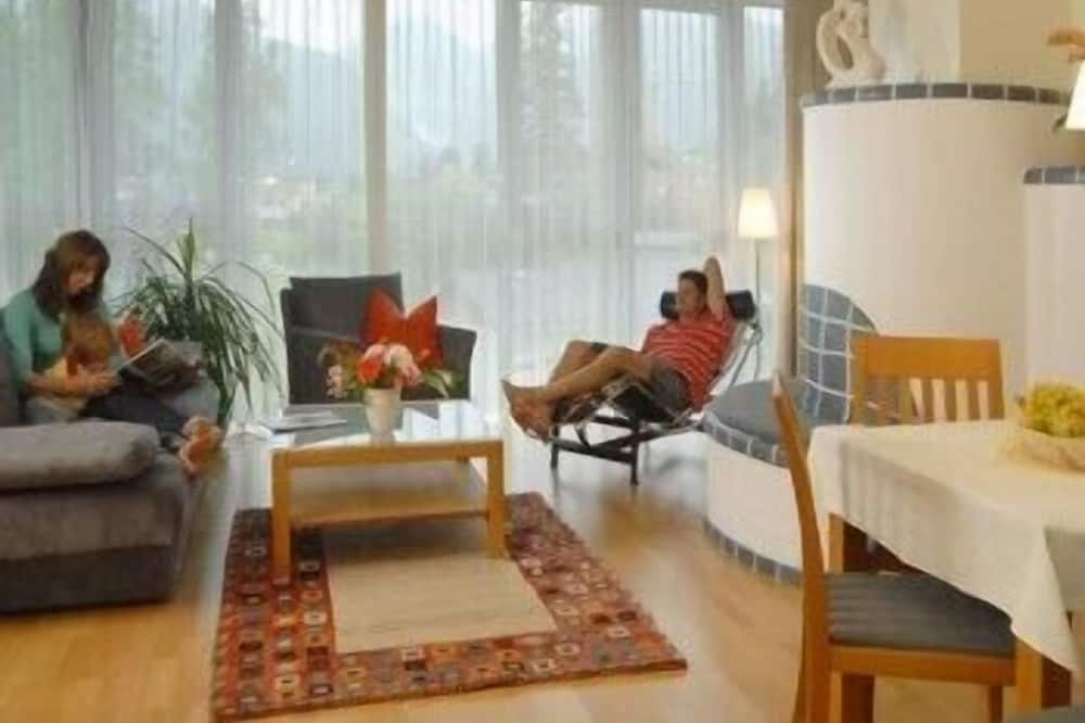 Standard Apartment (Typ A) - Living Room