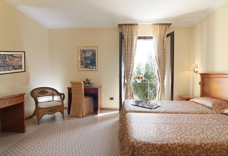 加爾加諾勒特雷茲蘇爾酒店, 聖喬瓦尼洛唐多, 高級雙人房, 客房
