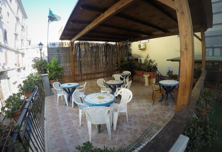 Hotel Colombo, Napoli, Terassi/patio
