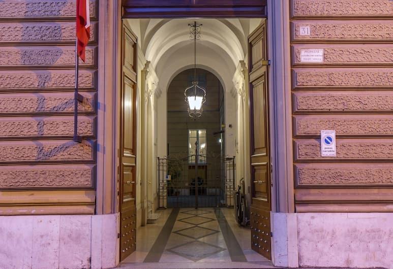 Piccolo Imperiale, Rome, Hotel Entrance