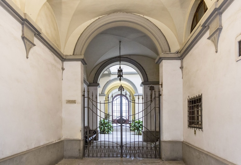 San Frediano Mansion, Florence, Hotel Entrance