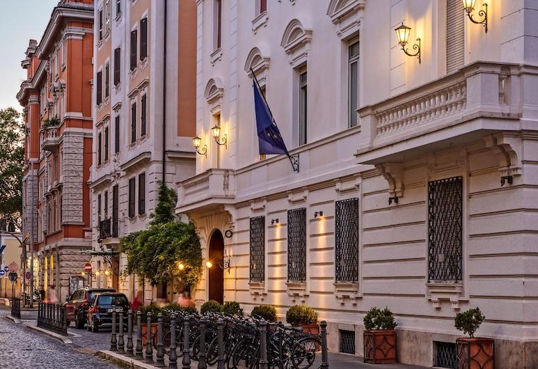 洛迦諾酒店, 羅馬