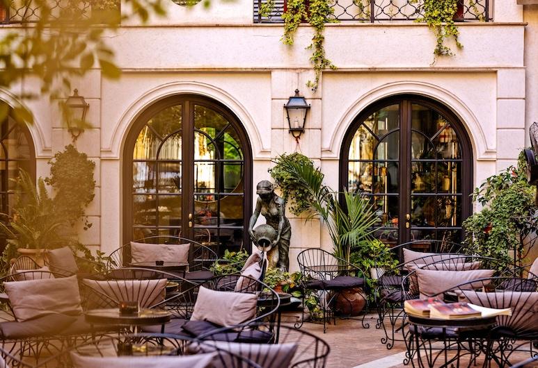 Hotel Locarno, Rim, Vrt