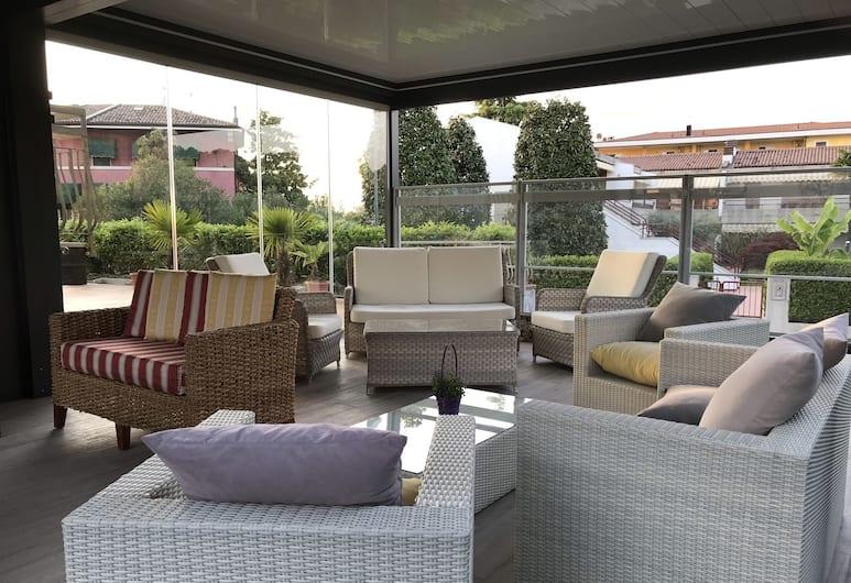 Villa Rosa, Sirmione, Terrasse/veranda
