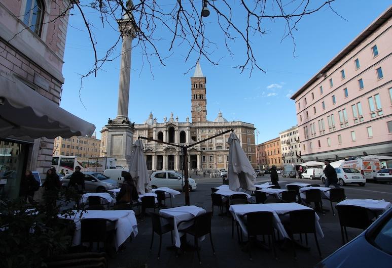 Buonarroti Home, Rome, Outdoor Dining