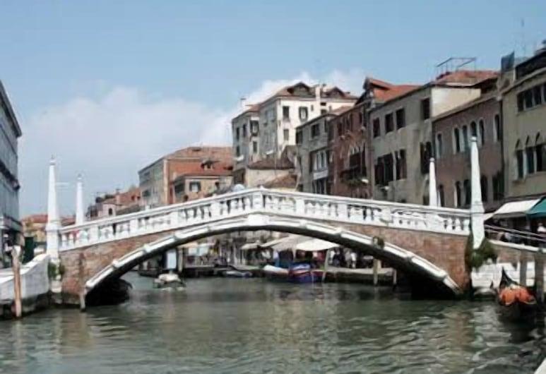 尖塔橋民宿, 威尼斯, 酒店正面
