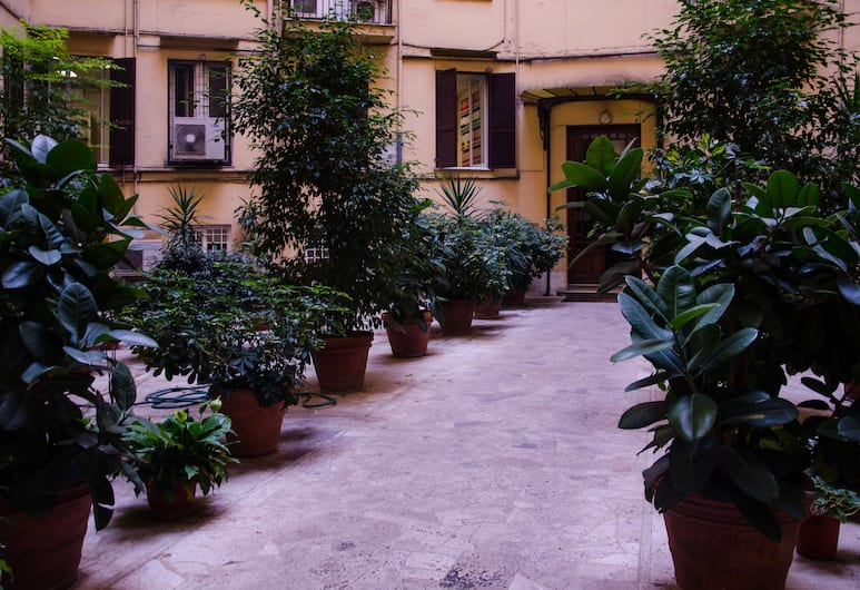 Annette, Roma, Giardino