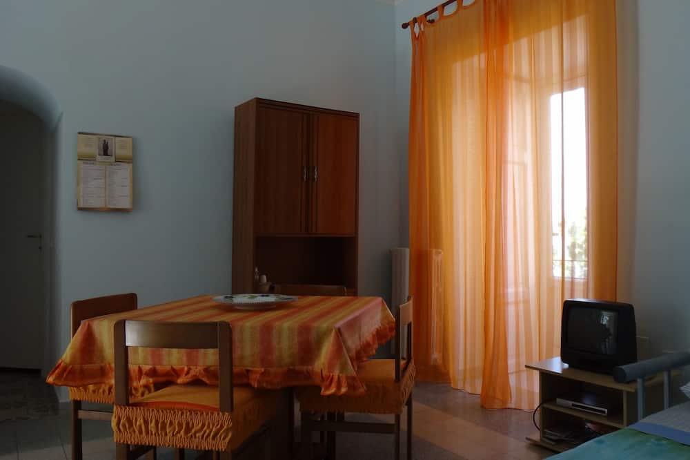 Quadruple Room, Sea View - In-Room Dining