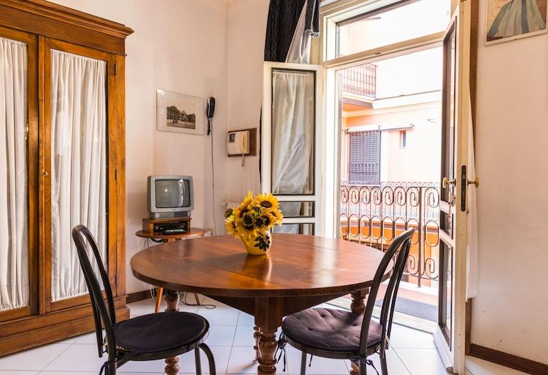 Martina al Colosseo, Rome, Apartment, 1 Bedroom, Living Area
