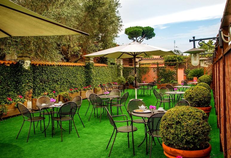 Marini Park Hotel, Rome, Garden