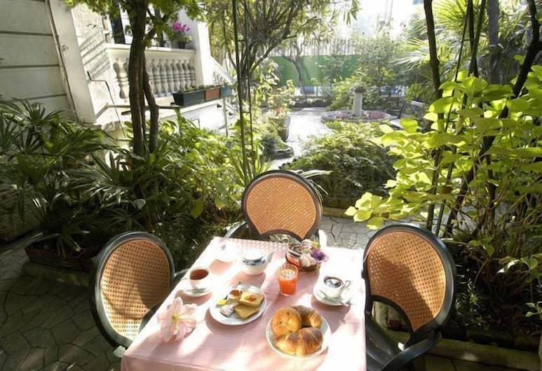 Hotel Ca' Grande, Milan, Tempat Makan Luar Ruangan