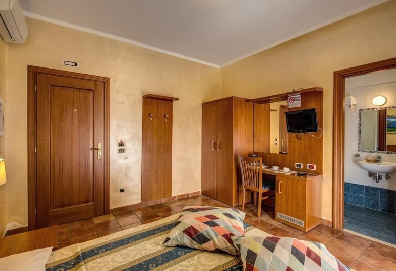 Hotel Maryelen 2, Rome, Economy driepersoonskamer, Kamer