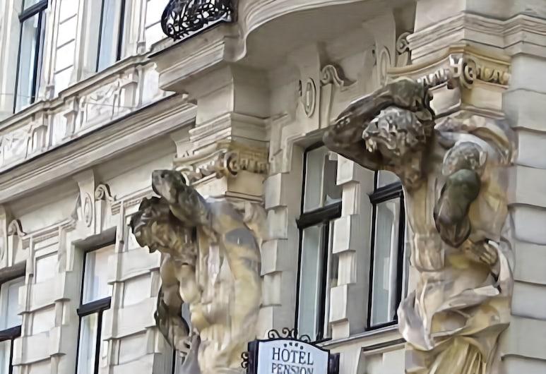 Hotel Pension Lumes, Viena, Fachada do hotel