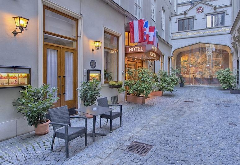 Hotel Austria, Vienna, Hotel Entrance