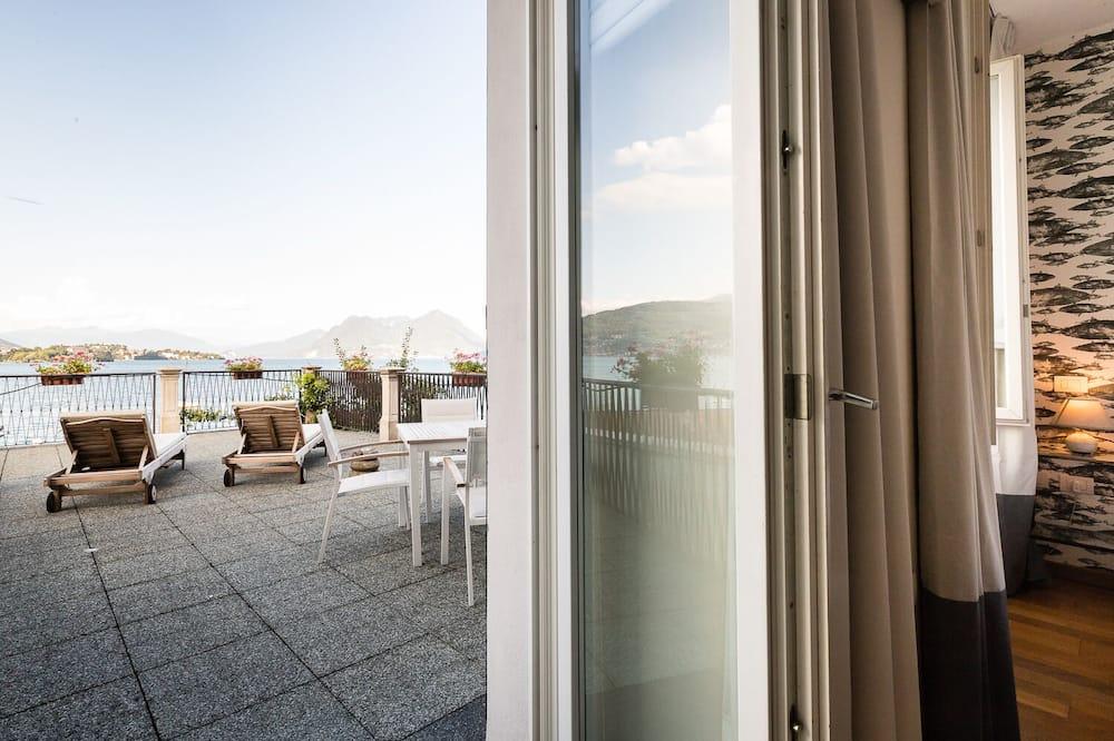 Kamar Double Panorama, teras, pemandangan danau - Teras/Patio