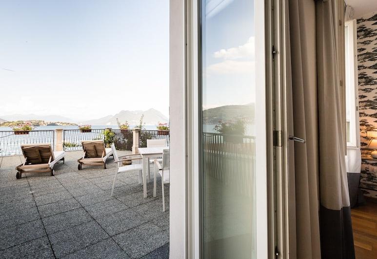 Hotel Belvedere, Стреза, Панорамний двомісний номер, тераса, з видом на озеро, Тераса/внутрішній дворик