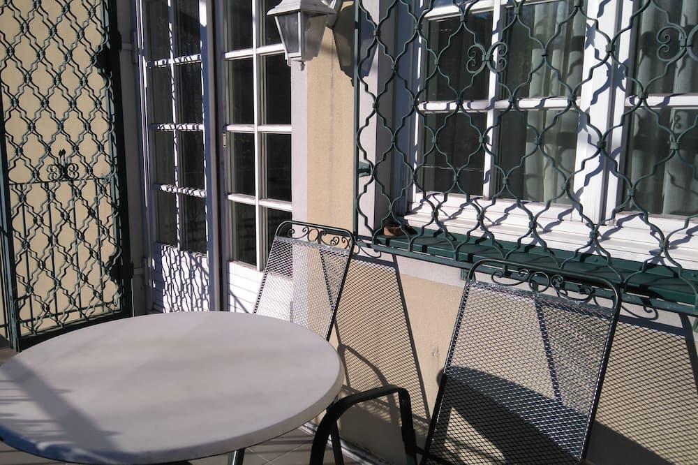Apartment, 1 Bedroom, Balcony, Garden View - Balcony