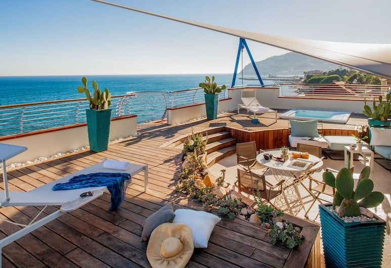 Grand Hotel Diana Majestic, Diano Marina, Apartament prezydencki typu Suite, taras, widok na morze, Pokój