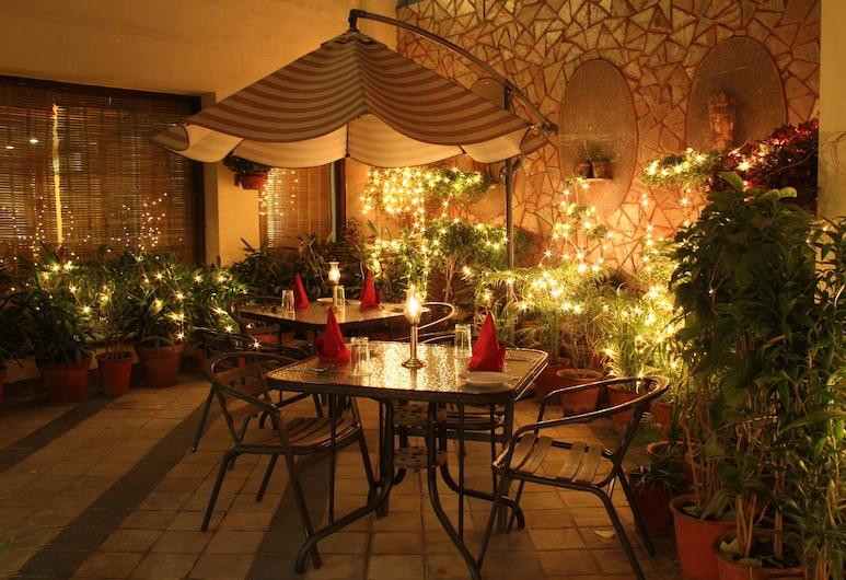 拉特納瓦利酒店, 齋浦爾, 花園